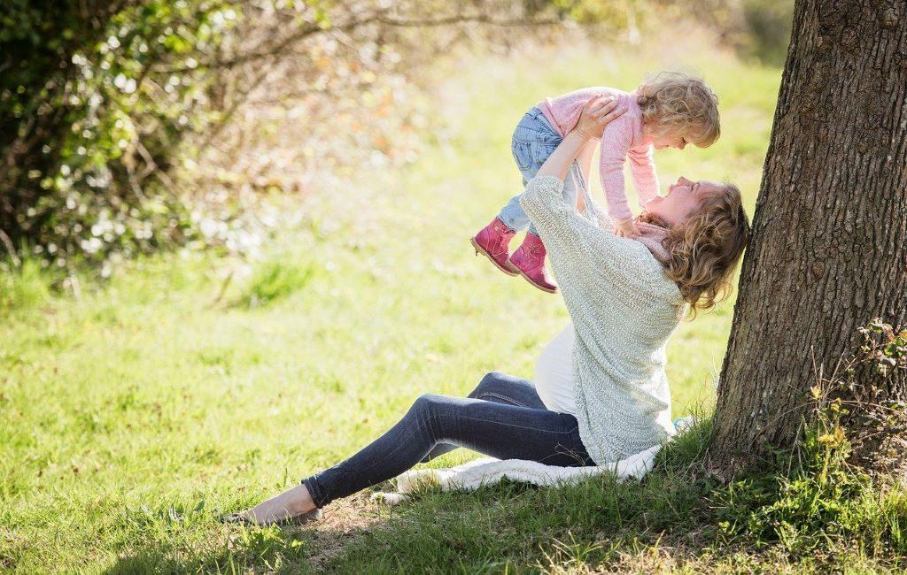 ¿Cómo influye tener hijos en los ingresos de padres y madres en los Países Bajos?