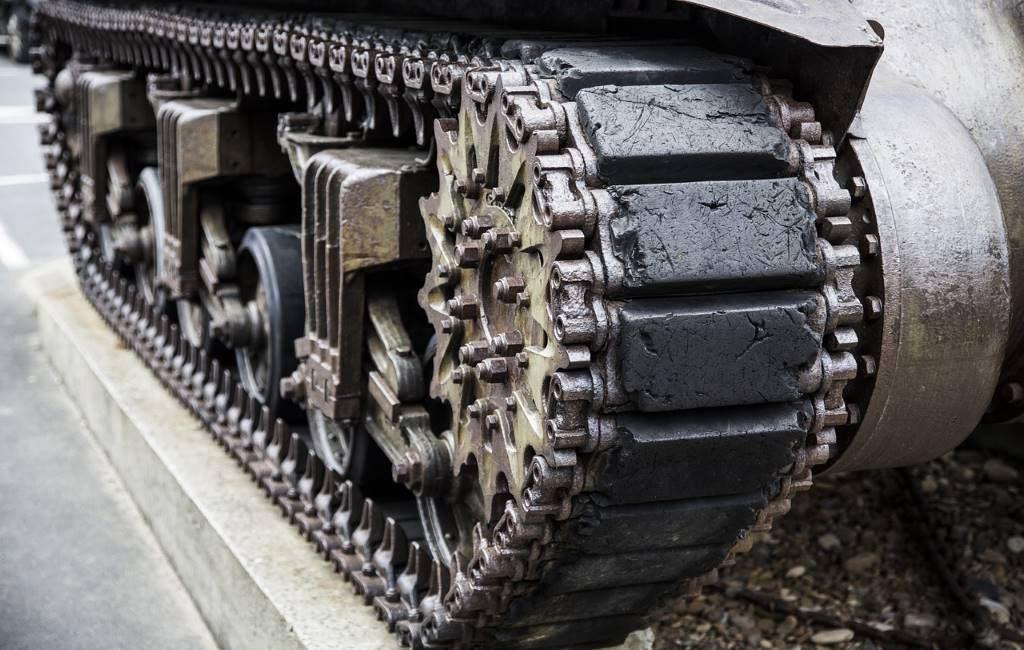 Un militar armado