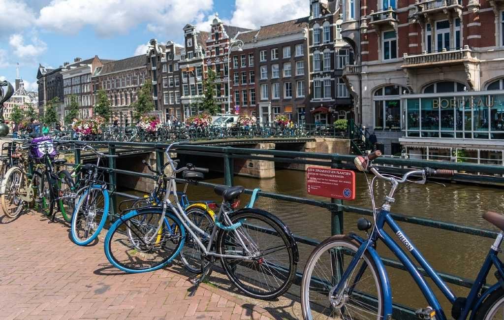 El número de nuevos casos de corona sigue aumentado de forma consecutiva. Por esta razón se prevé que el gobierno holandés tome esta semana medidas más contundentes para frenar el avance del coronavirus.
