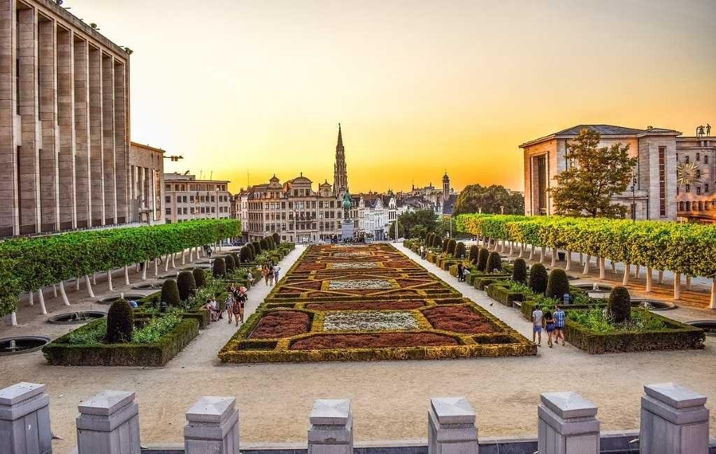 el Comité de Consulta, en el que están representados todos los gobiernos de Bélgica,
