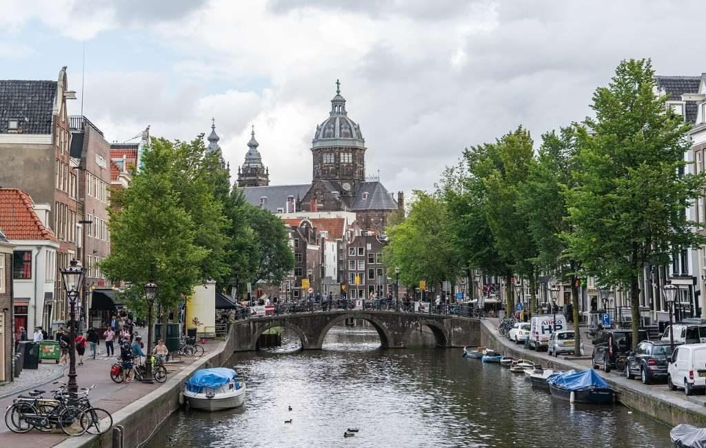 ¿Qué ocurre con Ámsterdam y los sitios web como Airbnb?