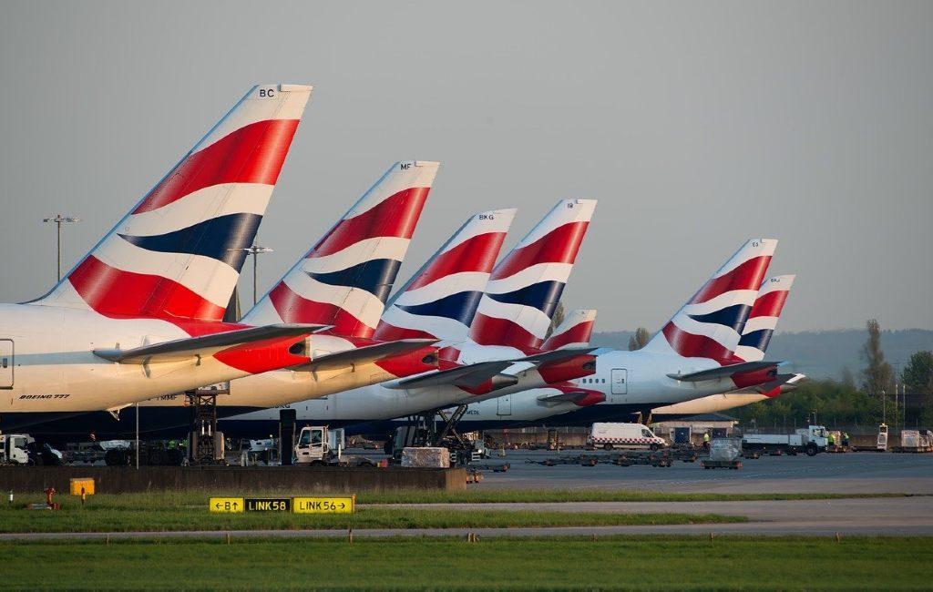 Como medida de precaución, Bélgica también está introduciendo una prohibición de entrada para los vuelos desde el Reino Unido después de los Países Bajos. Las conexiones de Eurostar desde el Reino Unido también se cerrarán temporalmente.