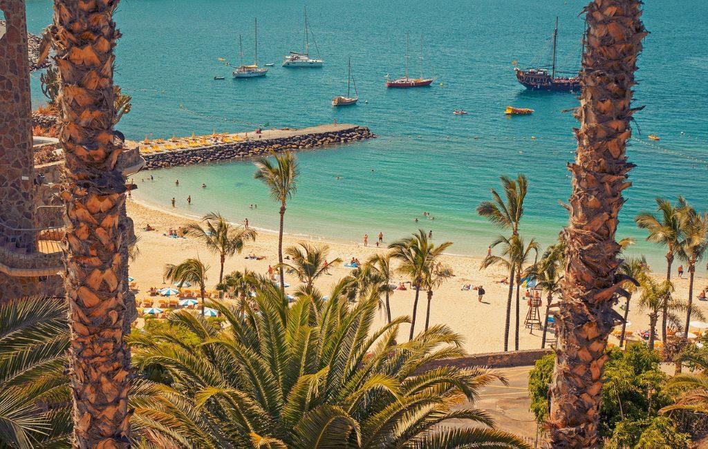 ¿Por qué algunos neerlandeses podrán viajar a Canarias y salir del hotel?
