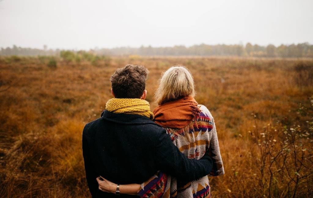 """Día Internacional del Abrazo 2021 pero sin """"knuffels"""" en los Países Bajos"""