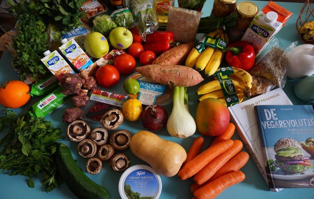 Albert Heijn y Selecta abren mini supermercados sin empleados en Nederland y Bélgica.