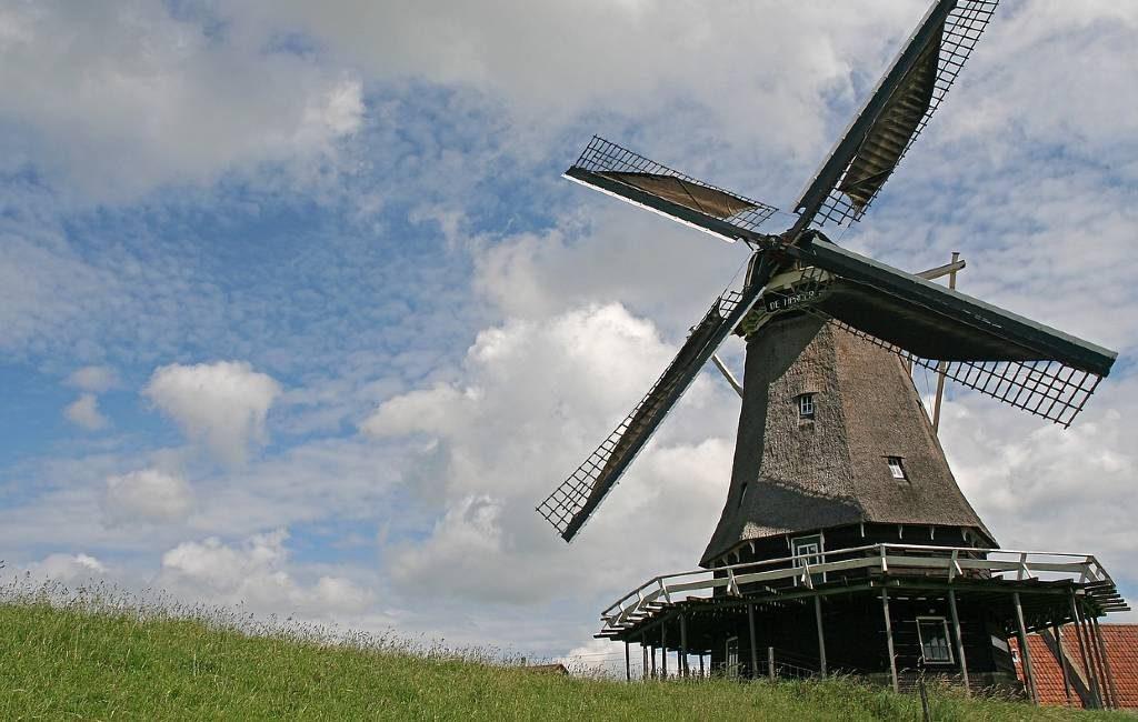 En los Países Bajos hay 5.641 positivos este jueves y en Bélgica el promedio es de 200 pacientes con corona hospitalizados por días.
