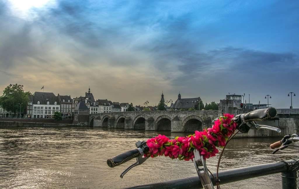 Maastricht está pensando en la recogida puerta a puerta de plástico, latas y envases de bebidas