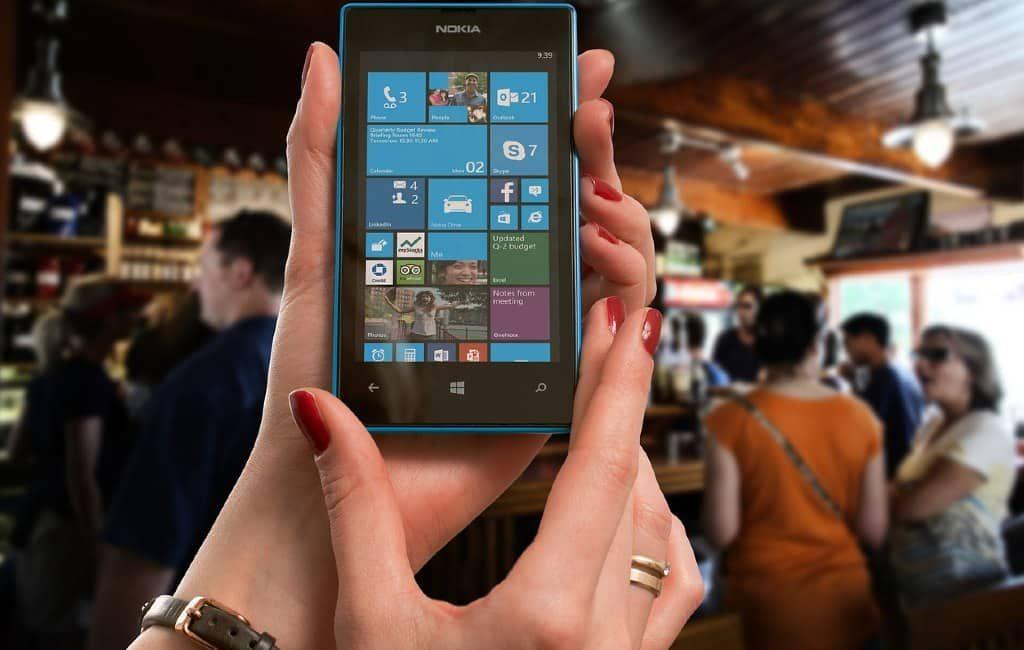 Los neerlandeses eligen el teléfono smartphone en lugar de un altavoz inteligente