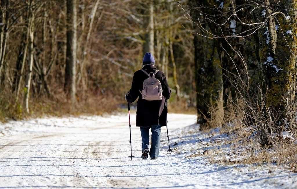 Ha dejado de nevar en gran parte del oeste del país. Aunque puede comenzar a llover por la noche, según Weerplaza, puede provocar resbalones. Lee más detalles en este artículo.